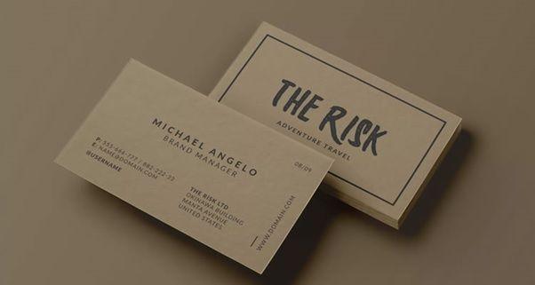 Một chiếc name card có kích thước chuẩn