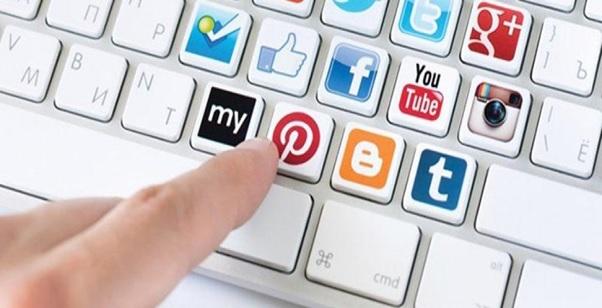 chia sẻ website khách sạn lên mạng xã hội
